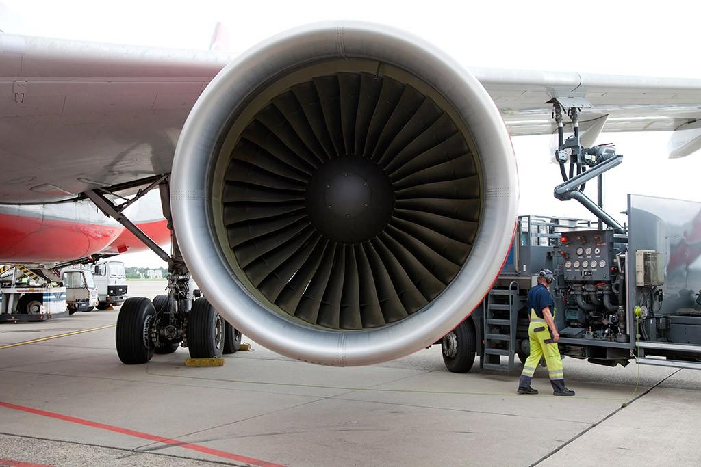 Звук двигателя самолета скачать